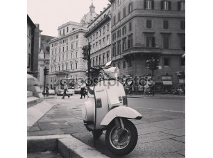 Фотообои «Vespa scooter on street»
