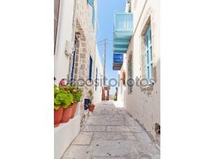 Фотообои «Узкая улочка в греческом стиле»
