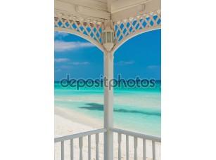 Фотообои «вид на пляж Варадеро на Кубе с деревянной террасы»