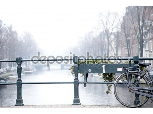 Фотообои «Bicycle on Amsterdam Bridge»