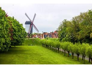 Фотообои «Ветряная мельница в Брюгге»
