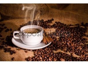 Фотообои «Белый кофе и кофейные бобы вокруг»