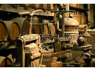 Фотообои «антикварные бутылки с вином.»