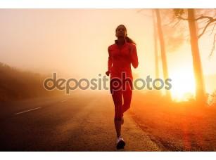 Фотообои «бегущая женщина»