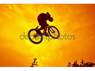 Фотообои «Акробатические трюки BMX»