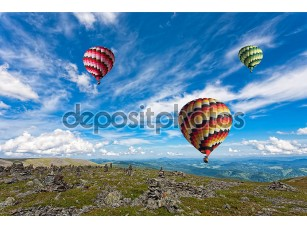 Фотообои «Воздушные шары в небо»