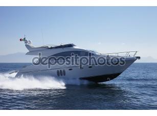 Фотообои «Италия, Неаполь залива, роскошные яхты»