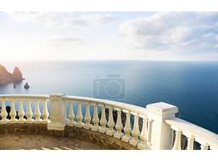 Фотообои «Вид на океан из каменный балкон»