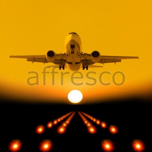 Самому управлять самолетом во сне — предвестье того, что вы сами можете принимать решения, которые повлияют на ваше будущее.